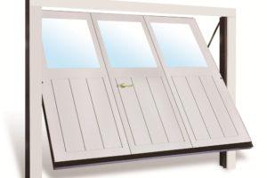 Portone legno grigio con vetri